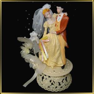 фигурка свадебная 16см кремовая