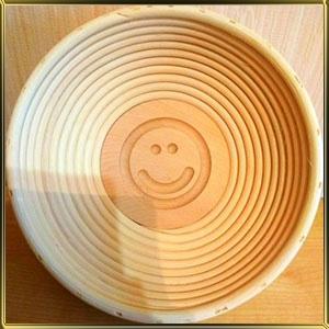 корзина д/расстойки хлеба круг. 0,75кг ротанг Смайлик