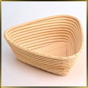 корзина д/расстойки хлеба треуг. 0,5кг ротанг