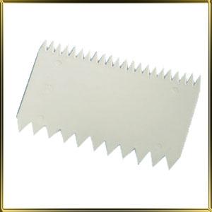 скребок пласт. с зубч. 110*77мм белый